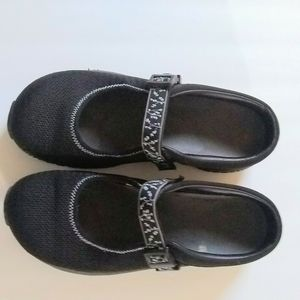 Merrell shoes size 9 color black